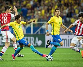 Lance de Brasil x Paraguai – Eduardo Anizelli/Folhapress