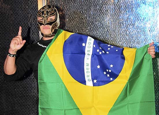 O lutador mascarado Rey Mysterio é uma das estrelas do ringue da WWE, que estréia no sábado (5) no SBT