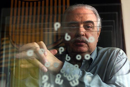 O poeta concreto Augusto de Campos