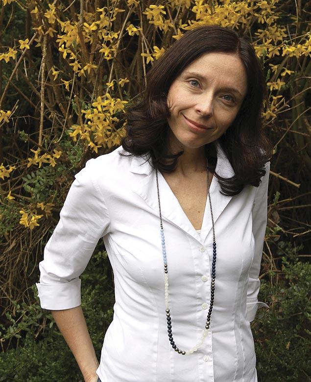 """A autora Silvia Bittencourt, que lança """"A Cozinha Venenosa"""""""