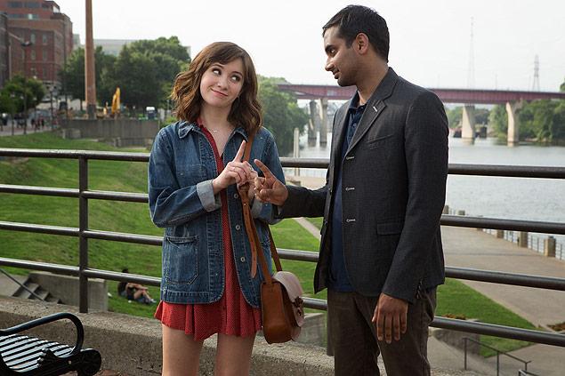 Noël Wells e Aziz Ansari na primeira temporada da série 'Master of None', da Netflix
