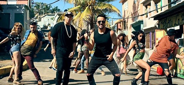 Luis Fonsie e Daddy Yankee em cena do clipe 'Despacito' *** ****