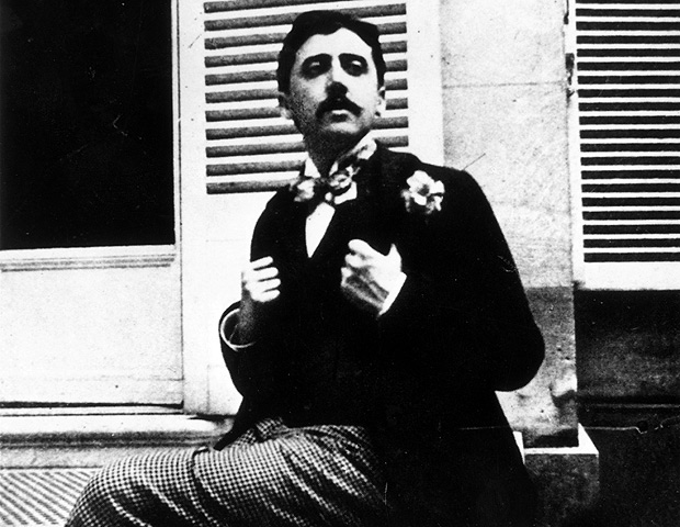Marcel Proust fotografado por volta de 1910
