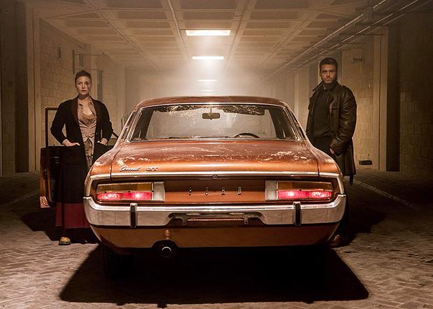 """Holliday Grainger (Honor) e Richard Madden (Ross) no episódio """"The Hood Maker"""", da série """"Electric Dreams"""" (2017), baseada em Philip K. Dick, que estreia no Amazon Prime"""