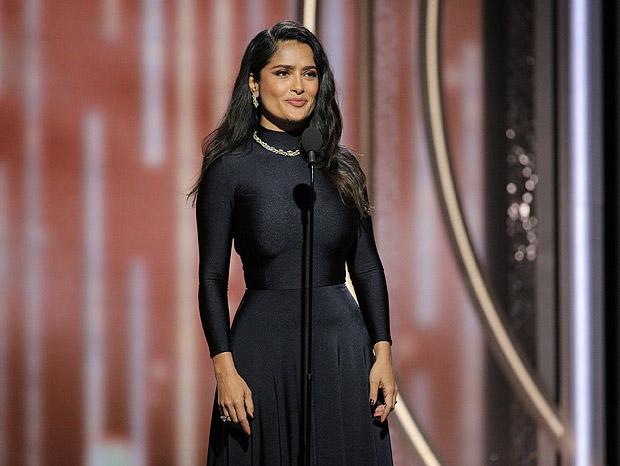 Salma Hayek no Globo de Ouro; a atriz foi uma das que revelaram caso de assédio do produtor Harvey Weinstein