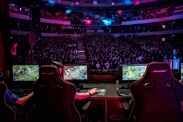 "Final do campeonato franc�s de ""League of Legends"" em Lyon"