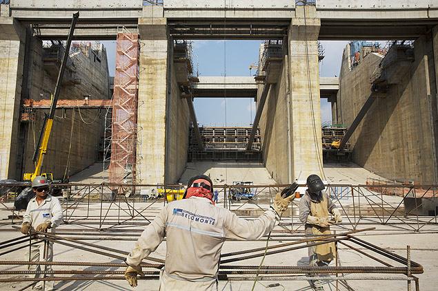 ALTAMIRA. PARA. 17/12/2014. Operario trabalha na construcao da barragem do sitio Pimental da hidreletrica de Belo Monte no rio Xingu. ( Foto: Lalo de Almeida/ Folhapress, MERCADO ) ***EXCLUSIVO FOLHA***