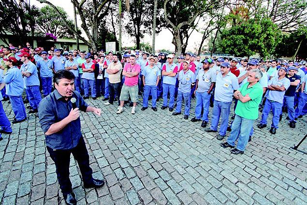 Rafael Marques, presidente do Sindicato dos Metalúrgicos do ABC, em assembleia que aprovou PPE na autopeças Rassini