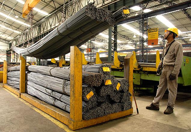 Produção de vergalhões em fábrica da Gerdau em São José dos Campos (SP)