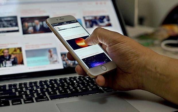 Uso do telefone celular se consolida como o principal meio para acessar a internet no Brasil