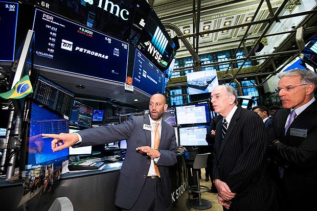 Bolsa de Nova York tem queda e arrasta mercado brasileiro nesta terça