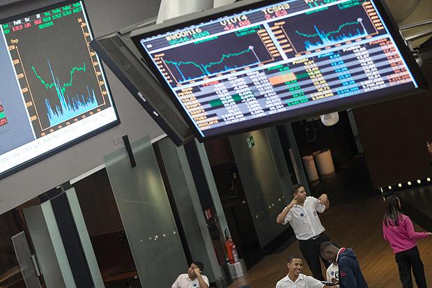 Bolsa brasileira interrompe sequência de 11 altas e se desvaloriza em dia de realização de lucros