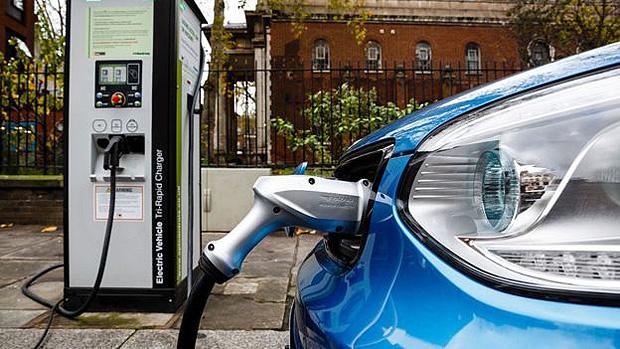 Como o preço do cobre disparou - e o que a China e os carros elétricos têm a ver com isso -- Os carros elétricos aumentam a demanda por cobre