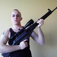 Daniel Cowart, acusado de planejar morte de Barack Obama, aparece em foto na internet