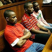 Assassinos do cantor Lucky Dube são condenados a prisão perpétua na África