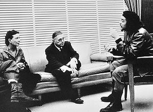 Che Guevara ao lado dos fil�sofos franceses Jean Paul Sartre e Simone de Beauvoir