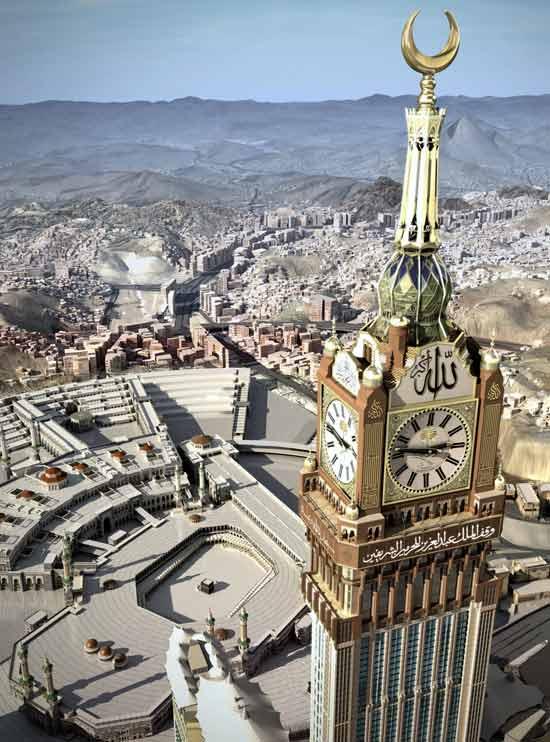 Mais de 90 milhões de peças de vidro colorido formam mosaicos que compõem os quatro lados do relógio
