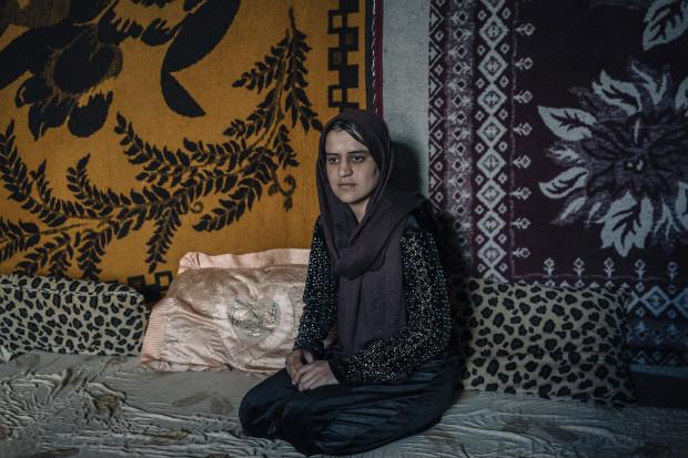 Perwin Ali Baku, 23, recentemente escapou com a filha da facção Estado Islâmico, que a escravizava