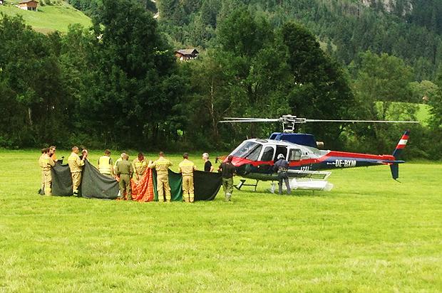 Equipe de resgate na província de Salzburgo, Áustria