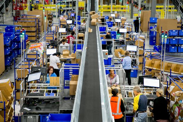 FILE -- The warehouse floor inside Zulily's fulfillment center in Bethlehem, Pa., Oct. 12, 2017. The Labor Department released the December figures on hiring and unemployment on Jan. 5, 2018, with another gain capping a year of increasing opportunities for American workers and marking the 87th consecutive month of job growth. (Sam Hodgson/The New York Times) ORG XMIT: XNYT7 DIREITOS RESERVADOS. NÃO PUBLICAR SEM AUTORIZAÇÃO DO DETENTOR DOS DIREITOS AUTORAIS E DE IMAGEM