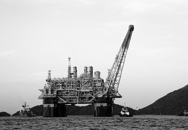 ANGRA DOS REIS, RJ, BRASIL, 01-07-2011: Plataforma de Petróleo localizada na Baía da Ilha Grande, em Angra dos Reis (RJ). (Foto: Agência Petrobras/ Divulgação) ***DIREITOS RESERVADOS. NÃO PUBLICAR SEM AUTORIZAÇÃO DO DETENTOR DOS DIREITOS AUTORAIS E DE IMAGEM***