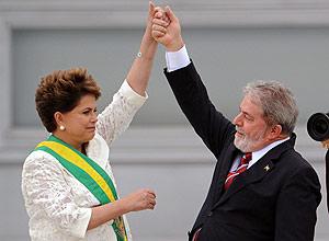 Nos primeiros cem dias de governo, Dilma enfrentou tensão na área econômica, como a queda do dólar e preços em alta