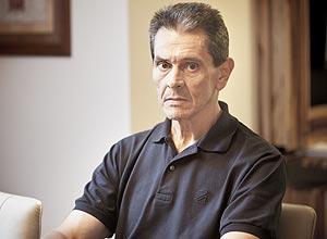 Roberto Jefferson assiste julgamento em sua casa no Rio