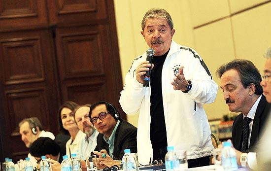 Ex-presidente Lula discursa durante evento promovido pelo instituto que leva o seu nome