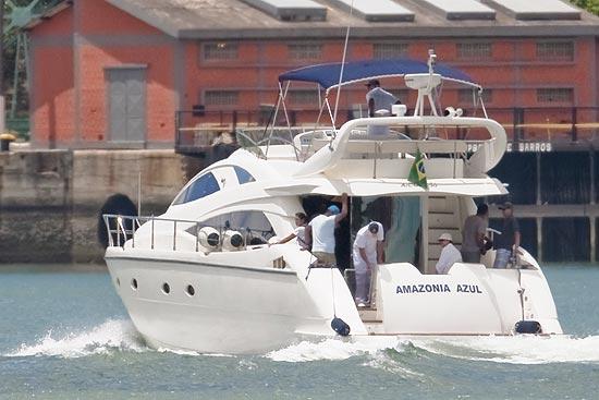 Presidente Dilma Rousseff chega a Base Naval de Aratu, em Salvador (BA), Bahia acompanhada da filha Paula, e de familiares
