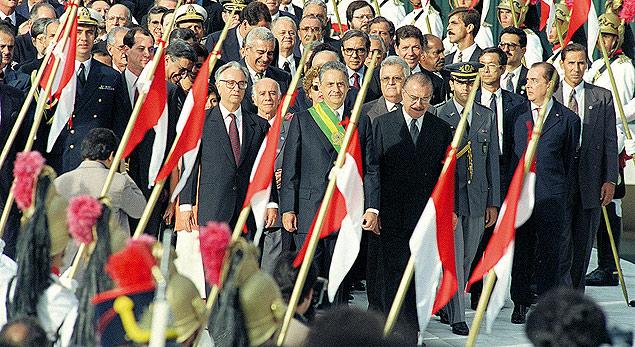 FHC toma posse para seu primeiro mandato como presidente, em 1995