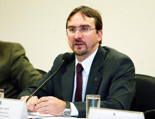 Bernard Appy, que trabalhou com Palocci e hoje é consultor, manteve contato com Eduardo Campos
