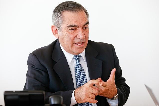 O ministro Gilberto Carvalho, em seu gabinete no Planalto