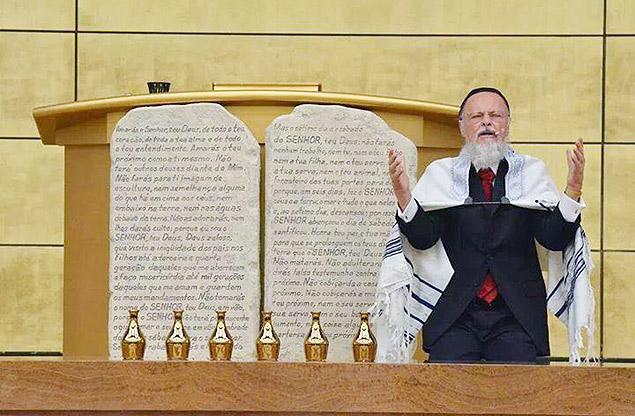 O líder da Igreja Universal do Reino de Deus, Edir Macedo, que construiu o Templo de Salomão