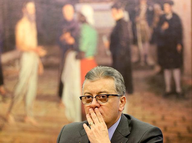 BRASÍLIA, DF, BRASIL, 14.10.2015. O presidente da Petrobrás, Aldemir Bendine, depõe na CPI da Petrobrás sobre o escândalo de corrupção na empresa. (FOTO Alan Marques/ Folhapress) PODER