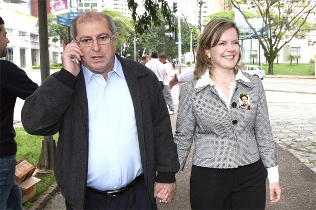 O ex-ministro Paulo Bernardo e sua mulher, a senadora Gleisi Hoffmann, em 2010