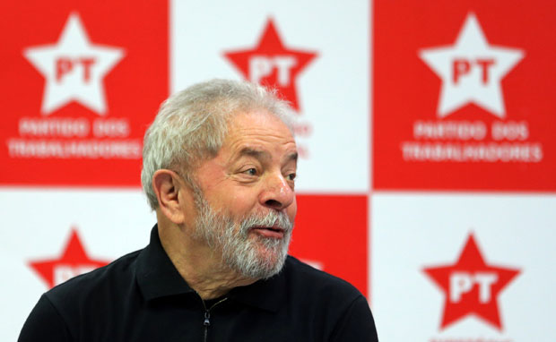 Brazil's former President Luiz Inacio Lula da Silva looks on as he attends a meeting with members of the Workers Party (PT) in Sao Paulo, Brazil September 2, 2016. REUTERS/Paulo Whitaker ORG XMIT: PW01