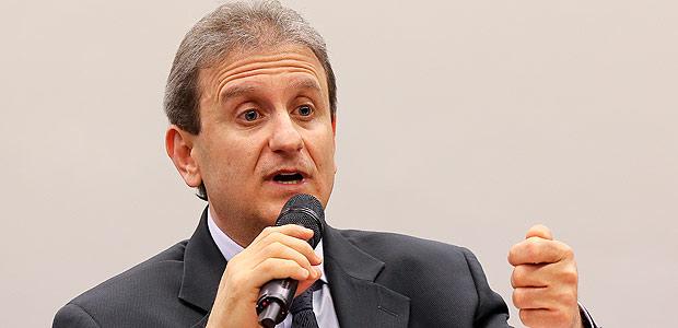 BRASÍLIA, DF, BRASIL, 26.10.2015. O doleiro Alberto Youssef fala na CPI dos Fundos de Pensão na Câmara dos Deputados. (FOTO Alan Marques/ Folhapress) PODER