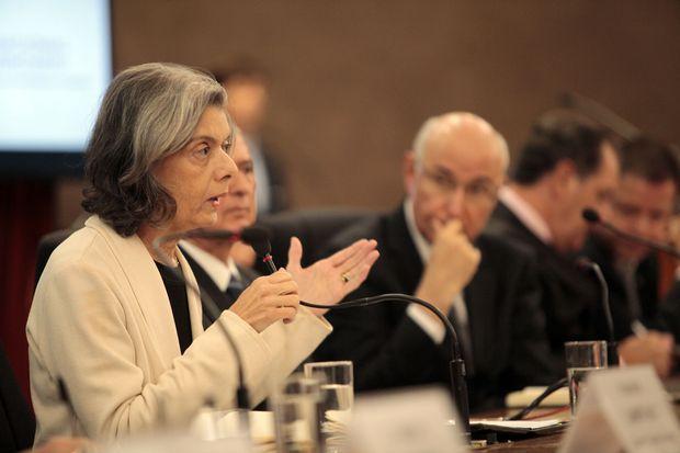 A presidente do STF, ministra Cármen Lúcia, fala no 10° Encontro Nacional do Poder Judiciário