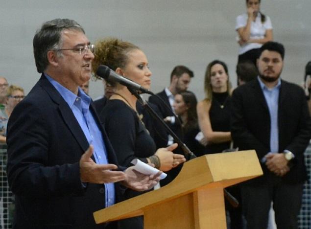 O governador de Santa Catarina, Raimundo Colombo, em evento em Joinville