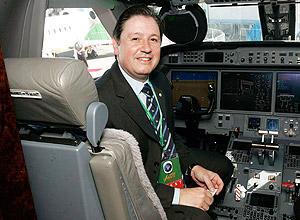 SAO PAULO, SP, BRASIL, 13-08-2009:O dep federal Rodrigo Rocha Loures dentro da cabine de um Gulfstream 450 na Labace, principal feira de avioes executivos e helicopteros do mundo. (Foto: Mastrangelo Reino/Folha Imagem, ILUSTRADA) ***EXCLUSIVO MONICA BERGAMO***