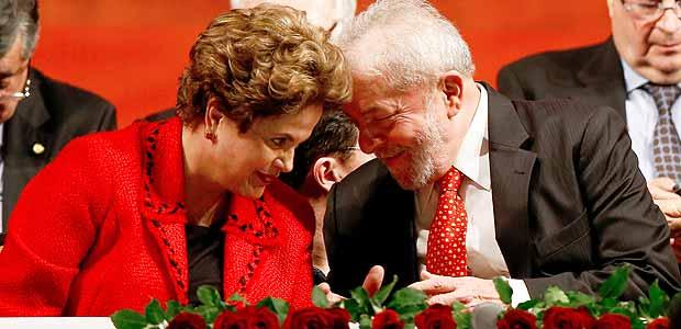 BRASILIA, DF, BRASIL, 05-07-2017, 19h00: O ex presidente Lula, a ex presidente Dilma e a presidente eleita do PT durante cerimonia de posse de gleisi. (Foto: Pedro Ladeira/Folhapress, PODER)