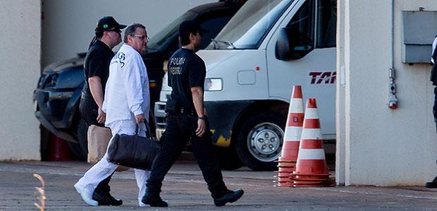 Geddel Vieira Lima chega preso ao hangar da PF em Brasília