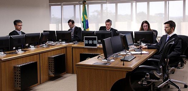 Sessão de julgamento da Operação Lava Jato no TRF-4 (Tribunal Regional Federal da 4ª Região), em Porto AlegreCrédito: Sylvio Sirangelo/TRF4