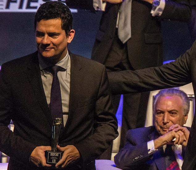 Sergio Moro e Michel Temer, em evento em São Paulo, da revista IstoÉ, em 5 de dezembro de 2017