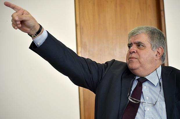 BRASILIA, DF, BRASIL, 21-12-2017, 16h: Carlos Marun, Ministro da Secretária de Governo, promove entrevista especial para à Folha nesta quinta-feira, 21 de Dezembro, em seu gabinete no Palácio do Planalto.(Foto: Mateus Bonomi/Folhapress, PODER) ***ESPECIAL*** ***EXCLUSIVO***