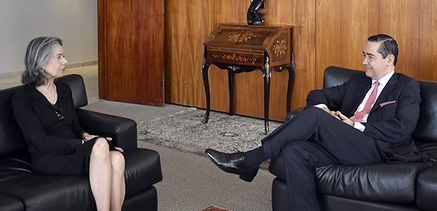 Ministra Cármen Lúcia, presidente do STF, recebe o presidente do TRF-4, Carlos Eduardo Thompson