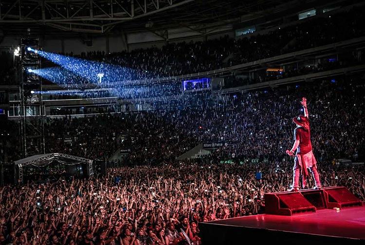 Público durante show do Guns N' Roses no Allianz Parque em 2017