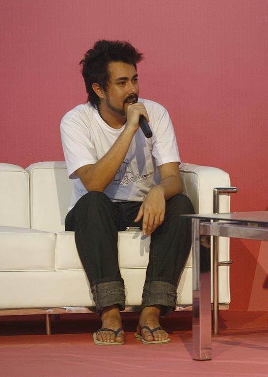 O blogueiro Maurício Cid em apresentação na Campus Party, no Anhembi, em São Paulo