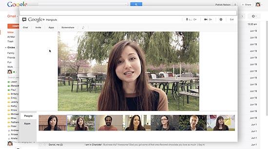 O Hangouts, serviço de videochat do Google, sobre a tela do Gmail