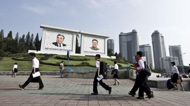Turistas não podem entrar com câmeras com GPS, livros ou revistas sul-coreanos e lentes de longo alcance em Pyongyang